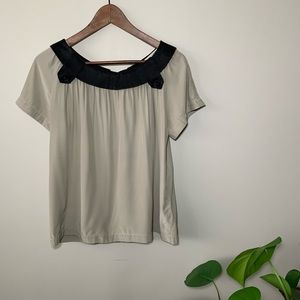 Graham & Spencer | 100% silk top with buttons